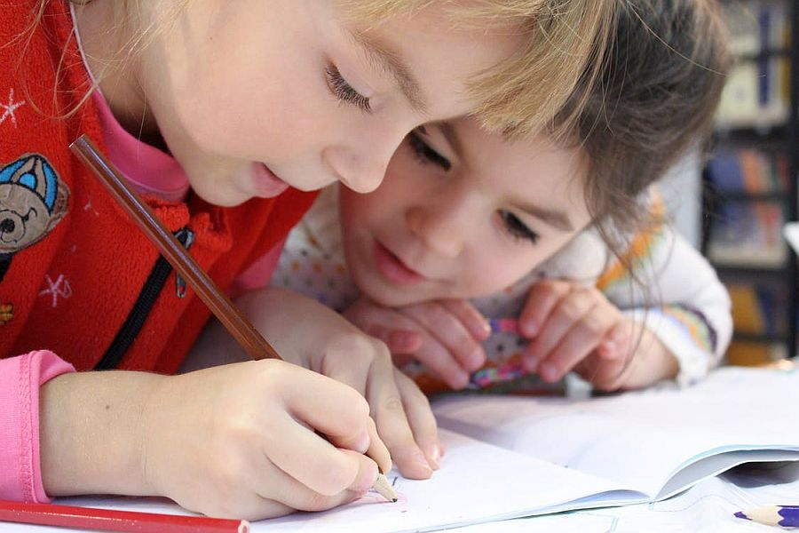 Vrei copii de succes? Aplica 10 reguli simple in educatia lor